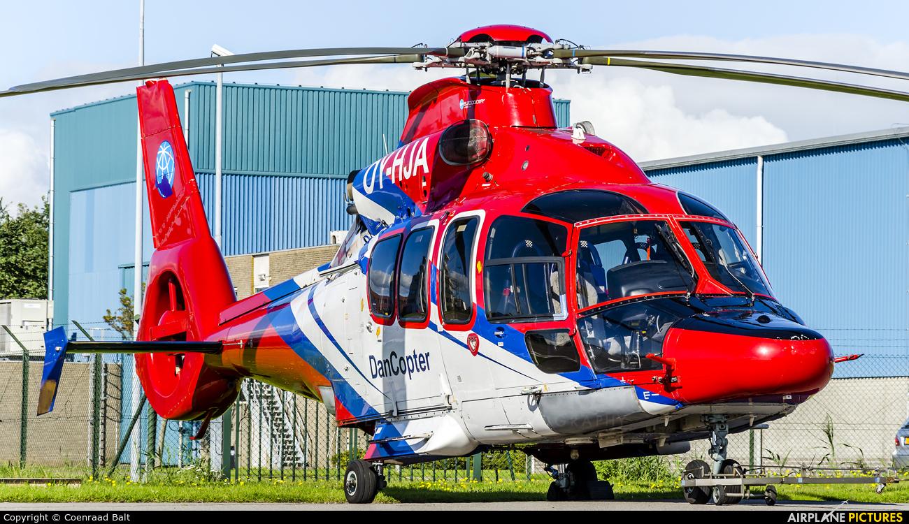 Dancopter OY-HJA aircraft at Den Helder