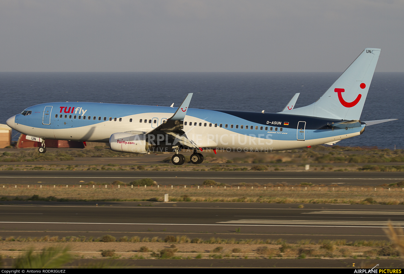 TUIfly D-ASUN aircraft at Las Palmas de Gran Canaria