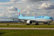 HL7574 - Korean Air Boeing 777-200ER aircraft