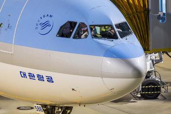 HL7586 - Korean Air Airbus A330-300