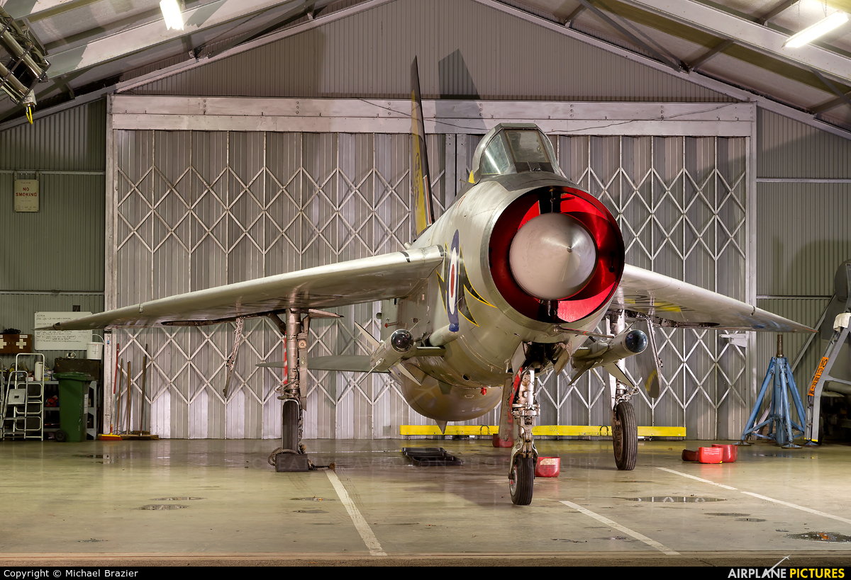 Royal Air Force XR713 aircraft at Bruntingthorpe