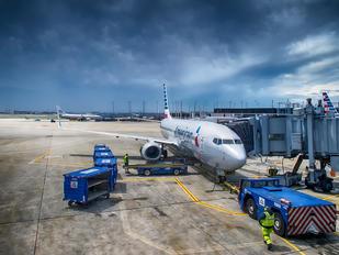 N930AN - American Airlines Boeing 737-800