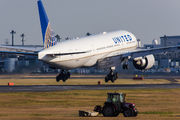 N37018 - United Airlines Boeing 777-200ER aircraft