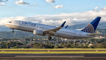 N24211 - United Airlines Boeing 737-800 aircraft