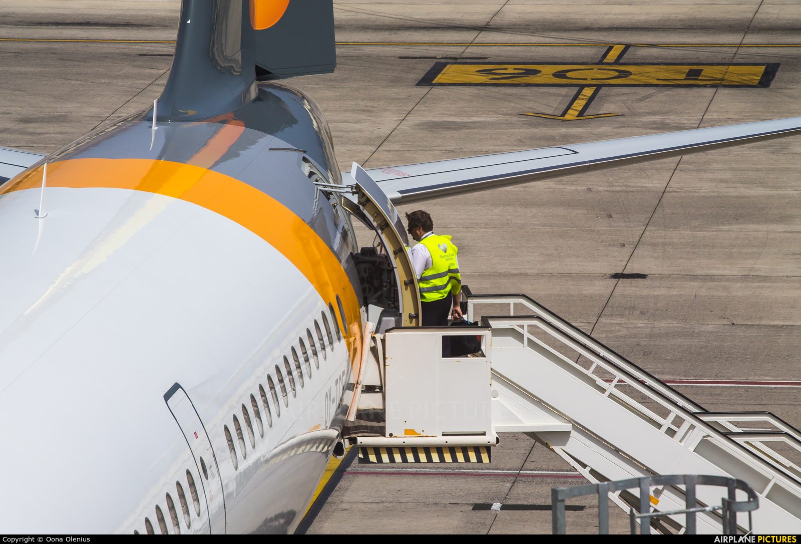 Thomas Cook Scandinavia OY-TCE aircraft at Las Palmas de Gran Canaria