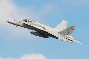 164962 - USA - Marine Corps McDonnell Douglas F/A-18C Hornet