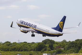 EI DHW - Ryanair Boeing 737-800