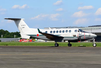23057 - Japan - Ground Self Defense Force Beechcraft 300 King Air 350