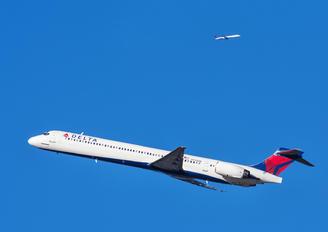 N944DL - Delta Air Lines McDonnell Douglas MD-90