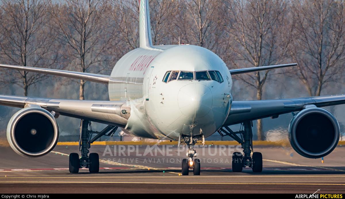 Air Canada C-GHOZ aircraft at Amsterdam - Schiphol
