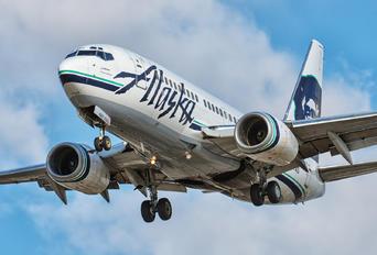 N627AS - Alaska Airlines Boeing 737-700