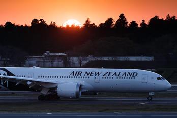 ZK-NZH - Air New Zealand Boeing 787-9 Dreamliner