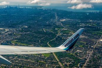 C-FWBX - WestJet Airlines Boeing 737-700