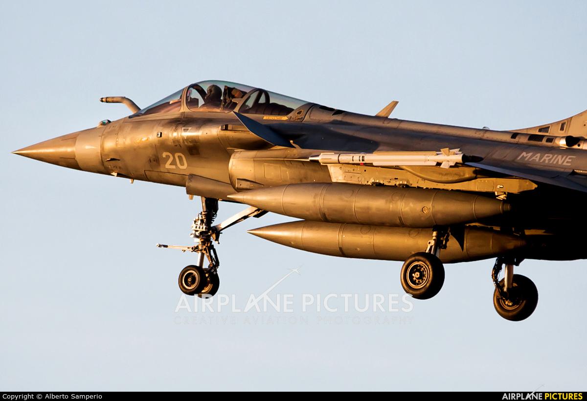 France - Navy 20 aircraft at Albacete