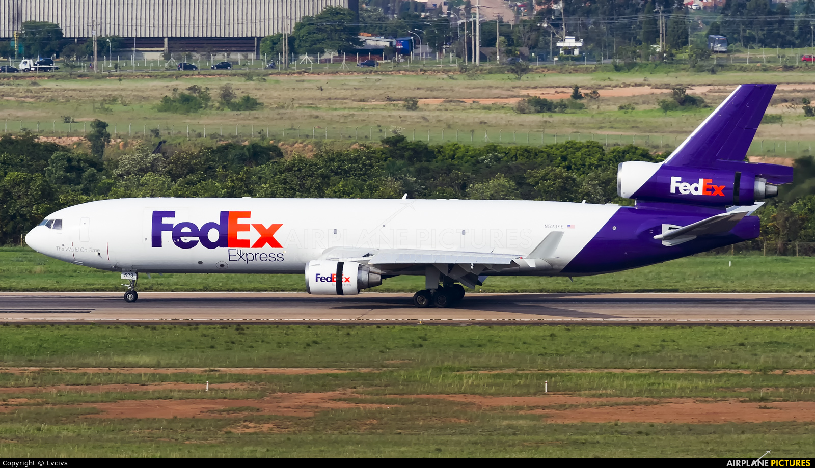 a history of the establishment of federal express Fedex corp acquires tnt express — the largest acquisition in fedex history — significantly federal express officially adopts fedex as its brand.