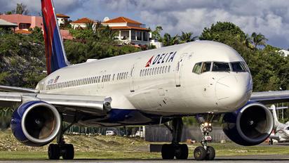 N6703D - Delta Air Lines Boeing 757-200