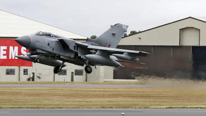 ZA372 - Royal Air Force Panavia Tornado GR.4 / 4A