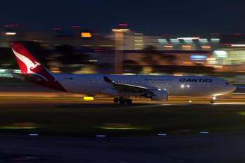 VH-QPA - QANTAS Airbus A330-300