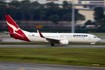 VH-XZF - QANTAS Boeing 737-800