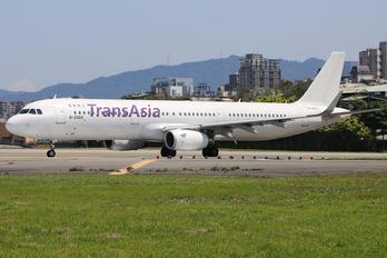 B-22610 - TransAsia Airways Airbus A321