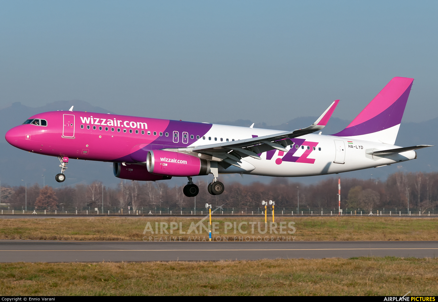 Wizz Air HA-LYD aircraft at Bergamo - Orio al Serio