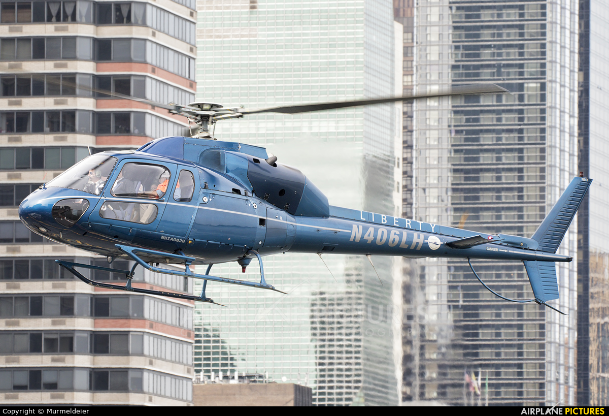 Liberty Helicopters N406LH aircraft at East 34th Street Heliport
