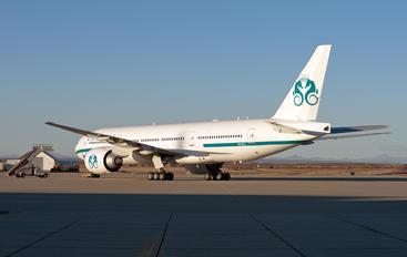 P4-XLT - Crystal Luxury Air Boeing 777-200LR