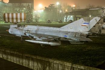 26105 - Yugoslavia - Air Force Mikoyan-Gurevich MiG-21R