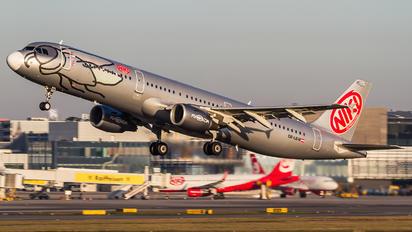 OE-LEW - Niki Airbus A321