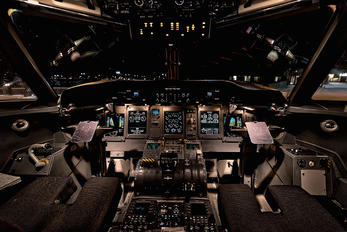 N346NG - United Express de Havilland Canada DHC-8-400Q / Bombardier Q400