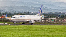 N37252 - United Airlines Boeing 737-800 aircraft