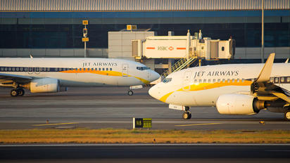 VT-JGY - Jet Airways Boeing 737-700