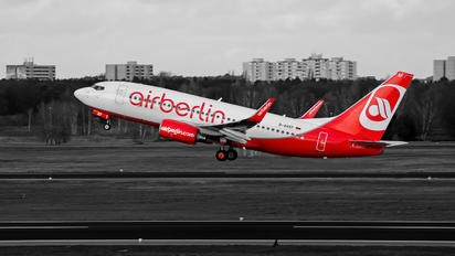 D-AHXF - Air Berlin Boeing 737-700