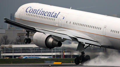 N68061 - Continental Airlines Boeing 767-400ER