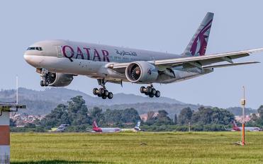 A7-BBE - Qatar Airways Boeing 777-200LR