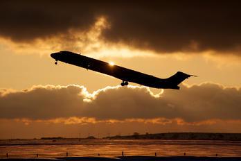 - - SAS - Scandinavian Airlines McDonnell Douglas MD-83