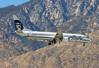 N305AS - Alaska Airlines Boeing 737-900