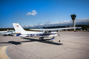 D-EMKV - Private Cessna 172 Skyhawk (all models except RG)