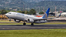 N77510 - United Airlines Boeing 737-800 aircraft