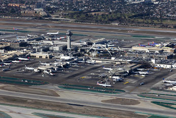 KLAX - - Airport Overview - Airport Overview - Runway, Taxiway