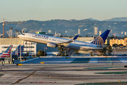 N78511 - United Airlines Boeing 737-800 aircraft