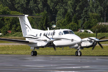 N537EM - Private Beechcraft 250 King Air