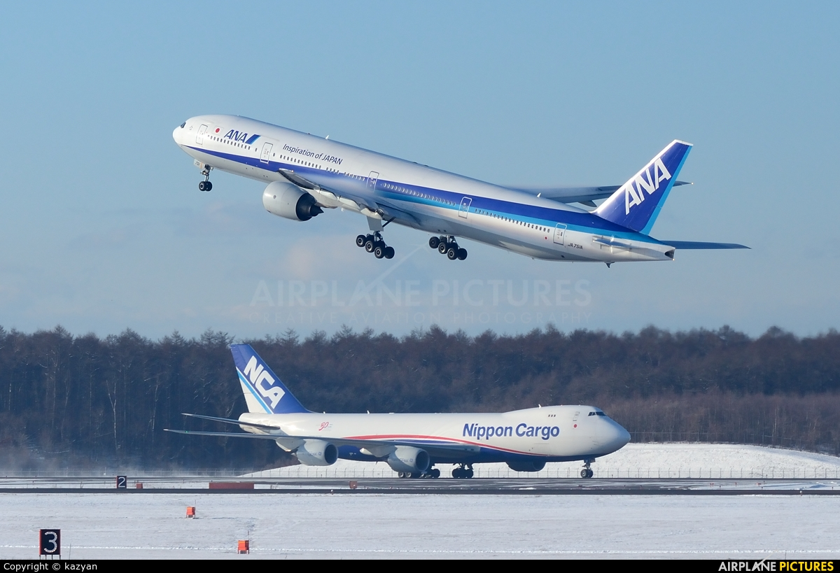 ANA - All Nippon Airways JA751A aircraft at New Chitose