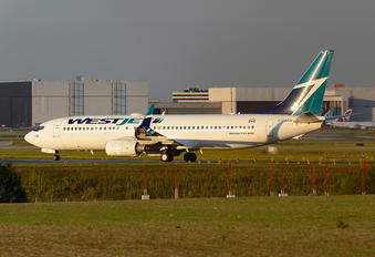 C-GWSA - WestJet Airlines Boeing 737-800