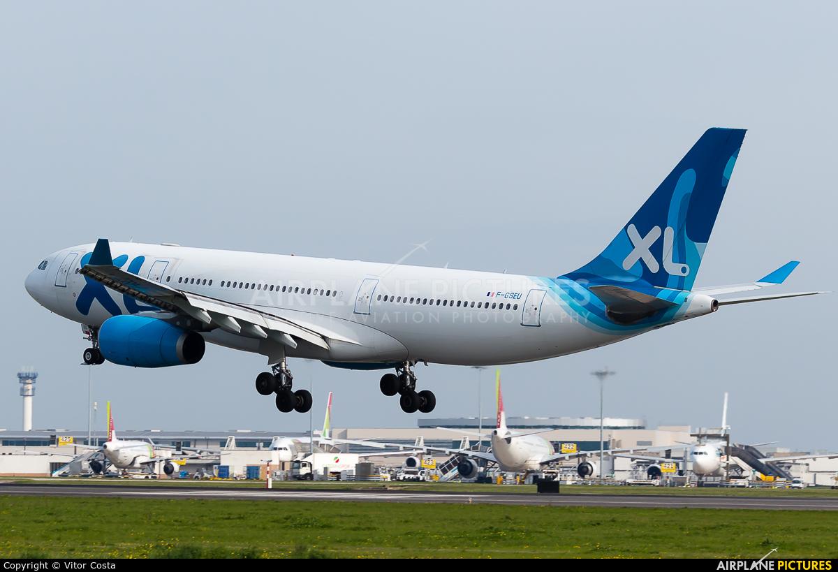F gseu xl airways france airbus a330 200 at lisbon for Airbus a330 xl airways interieur