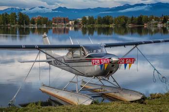 N2432Y - Private Cessna 172 Skyhawk (all models except RG)