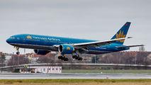 VN-A142 - Vietnam Airlines Boeing 777-200ER aircraft
