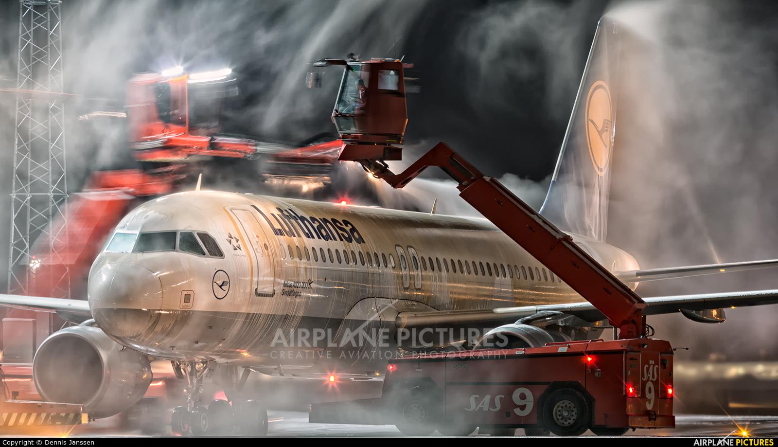 Lufthansa D-AIZG aircraft at Oslo - Gardermoen