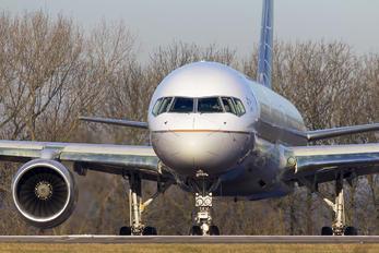 N19141 - United Airlines Boeing 757-200