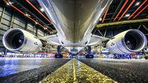 - - KLM - Airport Overview - Hangar aircraft